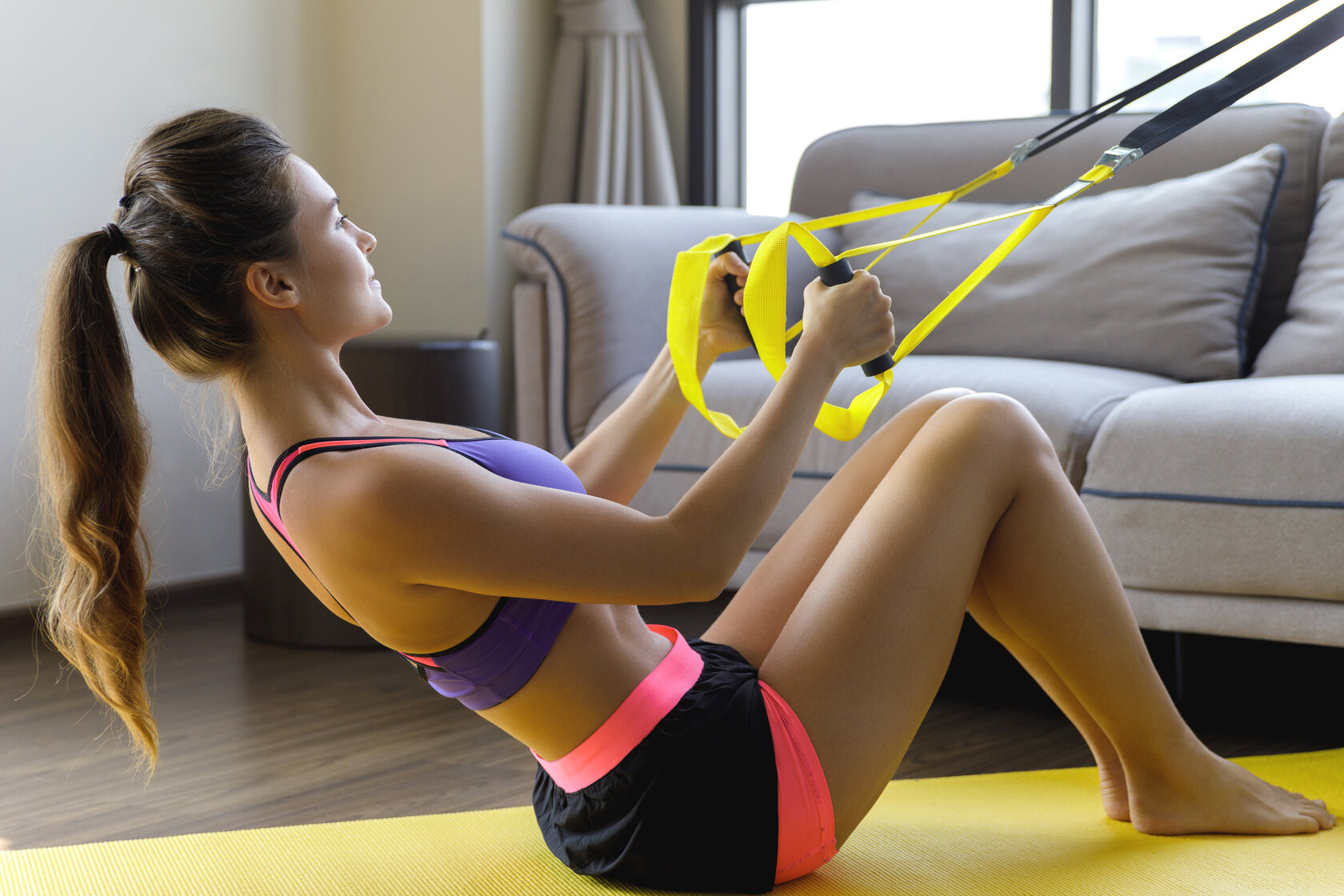 TRX pull oefening, TRX pull exercise, workout at home